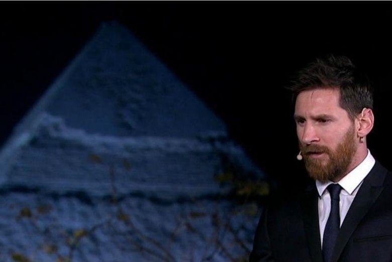 messi_at_the_pyramids